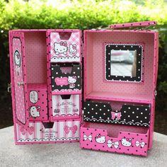 шкатулка для украшений для детей Cardboard Suitcase, Diy Cardboard Furniture, Cardboard Jewelry Boxes, Cardboard Crafts, Diy Arts And Crafts, Diy Crafts, Suitcase Storage, Doll Carrier, Desk Tray