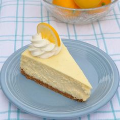 Meyer Lemon Cheesecake and Recipe Sharing in Rome - Food Lover& . Cheesecake Sem Lactose, Dairy Free Cheesecake, Cheesecake Frio, Lemon Cheesecake Recipes, Just Desserts, Delicious Desserts, Yummy Food, Meyer Lemon Recipes, Rome Food