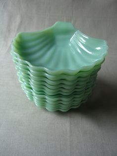 """Fire King Jadite shell dishes had originally been used for candy, but I love serving risotto in them, especially topped with fresh grilled scallops. Vintage Kitchenware, Vintage Dishes, Vintage Glassware, Love Vintage, Vintage Green, Green Milk Glass, Fenton Glass, It Goes On, Carnival Glass"