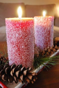 Snow Candles: The secret to giving your dollar store candles a snowy look? Find more fun, easy and festive DIY dollar store Christmas decorations and crafts for your home here. Noel Christmas, Christmas Candles, All Things Christmas, Winter Christmas, Modern Christmas, Christmas Centerpieces, Scandinavian Christmas, Halloween Christmas, Pink Christmas
