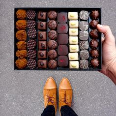 Day 1 to our dpecial opens at chocolatier and their glorious box of chocolates with flavors like raspberry ganache, dark chocolate and honey, almond Praliné, truffles and so on. can you smell the chocolate? Chocolate Shoppe, Chocolate Delight, Artisan Chocolate, Chocolate Sweets, Chocolate Gifts, Chocolate Truffles, Homemade Chocolate, Chocolate Lovers, Love Chocolate