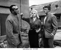 PRIMO CARNERA DIANA DORS & JOE ROBINSON A KID FOR TWO FARTHINGS (1955) -