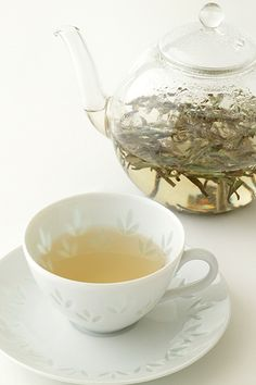 Bai hao yin zhen cha (White tea)    This tea is made from young buds only. It relaxes your body and soul.