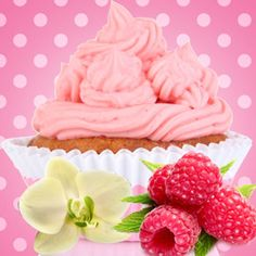 Raspberry Cream Cupcake Fragrance Oil | Natures Garden Fragrance Oils #fragranceoils #cupcakescent #raspberrycreamcupcake
