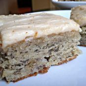 This Banana Bread Bars with Brown Butter Frosting Recipe is so incredible you will want to eat the whole pan. The banana bread bars are moist and full of flavor and the brown butter frosting Banana Bread Brownies, Moist Banana Bread, Chocolate Chip Banana Bread, Banana Bars, Banana Bread Glaze, Banana Bread Recipes, Brownie Recipes, Cake Recipes, Banana Bread Icing Recipe