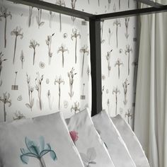 Annandale Wallpapers have been stocking papers for over 60 years and recently we have expanded our already comprehensive range. Wall Wallpaper, Pattern Wallpaper, Modern Floral Wallpaper, Floral Wallpapers, Newsletter Design, Perfect Wallpaper, Elle Decor, Designer Wallpaper