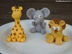 Kakkumonsteri: Kirahvi, norsu ja leijona Dinosaur Stuffed Animal, Teddy Bear, Toys, Animals, Activity Toys, Animales, Animaux, Clearance Toys, Teddy Bears