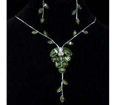 Green Flower Crystal Necklace & Earrings Set ~ Free shipping! No Copious Fees! $6.99
