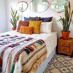 Cute Dorm Rooms, Cool Rooms, Trendy Bedroom, Modern Bedroom, Contemporary Bedroom, Bedroom Romantic, Minimalist Bedroom, Apartment Interior, Apartment Living