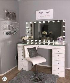 40 Kreative DIY-Make-up-Vanity-Design-Ideen die Inpire sind Creative Makeup Look. - 40 Kreative DIY-Make-up-Vanity-Design-Ideen die Inpire sind Creative Makeup Looks die DIYMakeupVanityDesignIdeen Inpire kreative sind Vanity Room, Vanity Set, Teen Vanity, Small Vanity, Diy Vanity, Vanity Design, Makeup Room Decor, Cute Room Decor, Glam Room