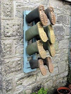 Pallet boot /shoe rack