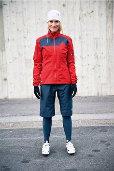 Chaqueta y pantalón corto de mujer Goretex Buen regalo para alguien que le guste hacer deporte sin importar el tiempo que haga  Chaqueta Goretex #Maloja NiculinaM  Pantalón corto Goretex Maloja JuditaM
