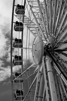 Liverpool - The big wheel at the Albert Dock