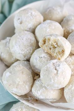 Easy Christmas Cookie Recipes, Holiday Cookies, Christmas Baking, Christmas Pretzels, Christmas Treats, Christmas 2019, Italian Biscuits, Homemade Eggnog, Best Sugar Cookie Recipe
