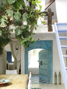 courtyard....via Green Goddess Emporium. Love to have a home in the Greek islands!