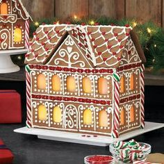 Gingerbread House Designs | gorgeous gingerbread house design | Creative Christmas