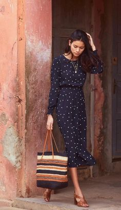 Woman Shoes pretty woman polka dot dress and shoes Work Fashion, Modest Fashion, Fashion Outfits, Fashion Ideas, Spring Summer Fashion, Spring Outfits, Spring Style, Vestido Dot, Summer Dress