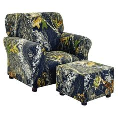 mossy oak chair omg this is hilarious would so put this in my basement if i had one hahah @Ericka Wysocki