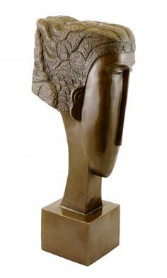 by Amedeo Modigliani Amedeo Modigliani, Georges Braque, Sculpture Head, Plastic Art, Italian Artist, Land Art, Famous Artists, Oeuvre D'art, Statues