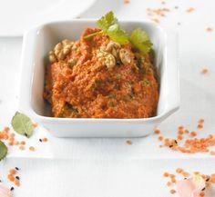 Paprika-Walnuss-Paste: Ein feiner Dip aus Walnüssen, Paprika und vielen Gewürzen - lecker. Passt gut zum selbst gebackenen Ciabatta!