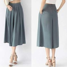 FREE PATTERN ALERT: Pants and Skirts Sewing Tutorials - On the Cutting Floor: Printable pdf sewing patterns and tutorials for women Linen Pants Women, Pants For Women, Fashion Pants, Fashion Outfits, Divided Skirt, Calf Length Skirts, Batik Dress, Pants Pattern, Skirt Outfits