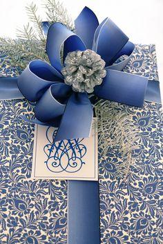It's a Wrap – Blue and White   Carolyne Roehm