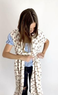 The Boba Baby Wraps are easy to use wrap style baby carriers. Made of a soft stretchy material, the baby wrap is machine washable and comfortable all day long. Mom Hacks, Baby Hacks, Dream Baby, Baby Love, Baby Tech, Baby Momma, Future Mom, Baby Coming, Baby Wraps