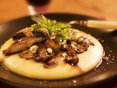 Polenta mit Pilzgemüse ist ein Rezept mit frischen Zutaten aus der Kategorie Getreide. Probieren Sie dieses und weitere Rezepte von EAT SMARTER!