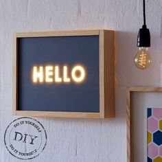 love this diy light box from Etsy Diy Luz, Luminaria Diy, Licht Box, Led Diy, Ideias Diy, Deco Design, Diy Signs, Diy Wood Projects, Lighting Ideas