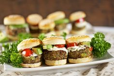 Relax and let savoury save you with mouth watering appetizers, desserts and beverage. We provide cooking classes and customer service. Mini Burgers, Black Bean Burgers, Salmon Burgers, Veggie Burgers, Hamburger Recipes, Veggie Recipes, Veggie Food, Hors D'oeuvres, Cooking Classes