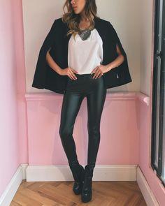 "3,928 Me gusta, 22 comentarios - Santa María (@santamaria122) en Instagram: ""I'm not a beautiful queen, I'm just beautiful me 🎶🌙 #shine #girls #fashion #love #friends…"""