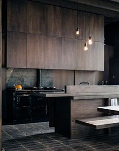 The best modern kitchen design this year. Are you looking for inspiration for your home kitchen design? Take a look at the kitchen design ideas here. There is a modern, rustic, fancy kitchen design, etc. Stylish Kitchen, New Kitchen, Kitchen Decor, Kitchen Wood, Kitchen Modern, Kitchen Furniture, Kitchen Storage, Kitchen Ideas, Kitchen Industrial