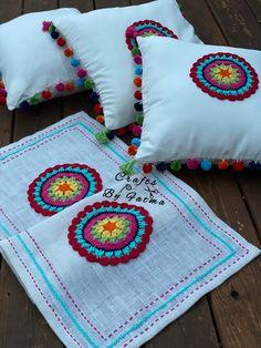 Manta Crochet, Crochet Mandala, Crochet Doilies, Crochet Decoration, Crochet Home Decor, Crochet Square Patterns, Crochet Designs, Crochet Table Mat, Embroidery Fashion