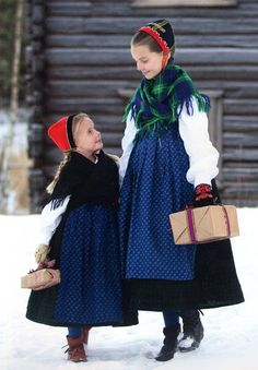 Barnebunad frå Indre Sogn - FolkCostume&Embroidery: Overview of Norwegian Costumes part 3A, the West