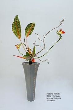 All sizes | Ikebana Ikenobo Rikka Shimputai by Lusy Wahyudi | Flickr - Photo Sharing!