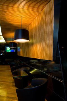 Detalle mesas en Lobby-Bar