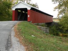 Covered bridges in Madison County, Iowa....nice tour, think we found 5 out of the 6!