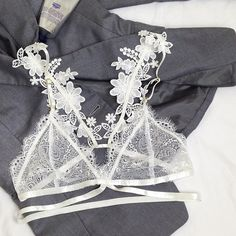 Pieris Bralette
