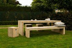 Gartentisch aus Bauholz mit Blockbeinen von PURE Wood Design auf DaWanda.com
