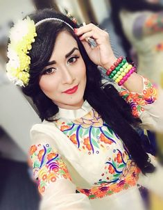 Nadia Khanom Nodi is an actress, ramp and fashion model in Bangladesh. She looks very simple and pretty. Here is her latest photo shoots. Stylish Girl, Fashion Models, Emily Blunt, Photoshoot, Actresses, Pretty, Girls, Female Actresses, Toddler Girls