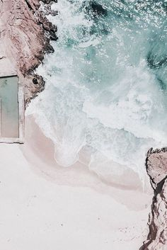 Travel Photography Discover Image about summer in wallpapers by Natalia Fuertes Bella Montreal Insta: bella. Whats Wallpaper, Ocean Wallpaper, Summer Wallpaper, Wallpaper Backgrounds, Bedroom Wall Collage, Photo Wall Collage, Picture Wall, Aesthetic Backgrounds, Aesthetic Iphone Wallpaper
