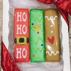 Playing off a few of the designs from our HO HO HO set earlier this month. (cookie exchange party tips) Christmas Food Gifts, Christmas Sugar Cookies, Holiday Cookies, Christmas Desserts, Christmas Baking, Christmas Letters, Gingerbread Cookies, Galletas Cookies, Iced Cookies