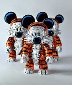 """VISEone's 16"""" Custom Hobbes Qee got such a great response he decided to make a few more 8"""" versions. Available now HERE are 2 of the 3 customs Hobbes Qees for approximately $188 each. Be sure to get em' before they're gone!"""