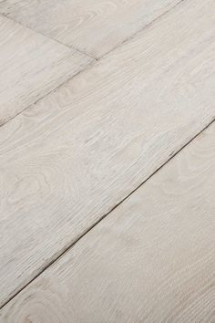 Bleached White. Tropical sun and a backing track of crashing waves. Isn't this what exotic feels like? Chapel Parket wooden flooring.