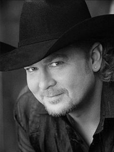 Tracy Lawrence taught me how to country dance at Sundance, after a concert at the Lincoln Center in Fort Collins, CO Sound Of Music, Music Tv, Music Bands, Music Is Life, Male Country Singers, Country Music Artists, Country Music Concerts, Country Music Stars, Country Dance