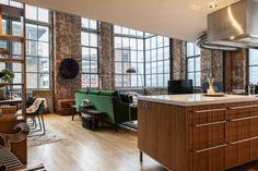 Cuando un espacio industrial se transforma en el loft perfecto.