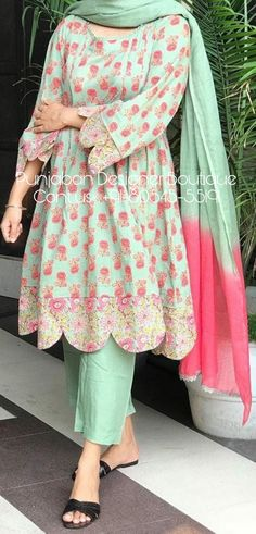 Simple Pakistani Dresses, Pakistani Dress Design, Pakistani Suits, Pakistani Bridal, Stylish Dresses For Girls, Stylish Dress Designs, Simple Dresses, Designer Party Wear Dresses, Kurti Designs Party Wear