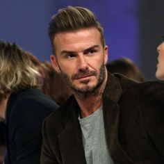 Kent & Curwen, the British line part owned by David Beckham, will release its first new collection under its partnership with the international soccer star in November. David Beckham Photos, Style David Beckham, David Beckham Haircut, Latest Haircuts, Cool Haircuts, Latest Hairstyles, Haircuts For Men, Popular Mens Hairstyles, Classy Hairstyles