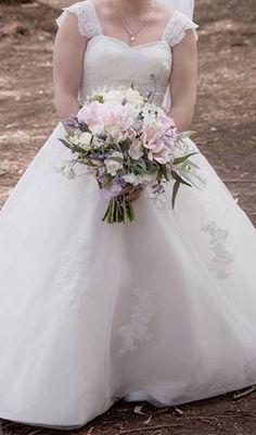 Girls Dresses, Flower Girl Dresses, Brides And Bridesmaids, Real Weddings, Bouquet, Wedding Dresses, Flowers, Beautiful, Fashion