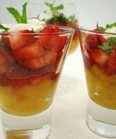 Salada de Frutas com Hortelã e Prosecco no Copinho | Figos & Funghis